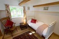 Stable Cottage - Hamptons Farmhouse Image 9