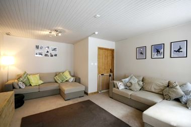 Chalet Chambertin - Family Room (quad) Image 4
