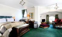 Ickworth Hotel - Family Double Image 7