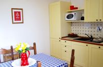 The fully equipped Kitchen - with coffee machine, dishwasher & microwave