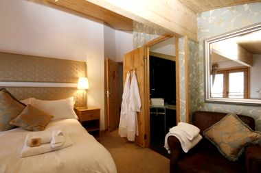 Chalet Morzine - Large Double Room Image 2