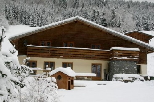 Chalet Morzine - Large Double Room Image 8