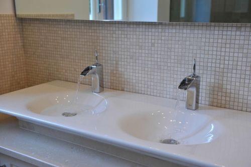Contemporary En-Suite Bathrooms