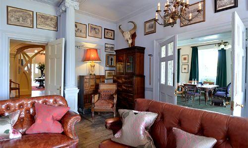 Moonfleet Manor - Coach House Room Image 9