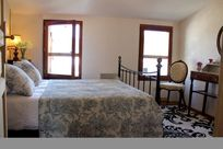 2nd floor double room, private and intimate at the top of the house