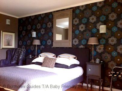 Family Friendly Holidays at Mas De Jouas-  Lapopie Suite (2 Rooms)