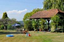 Little Apple Barn - Hamptons Farmhouse Image 5