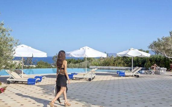 Elounda Gulf Villas & Suites - Deluxe Family Suite Image 12
