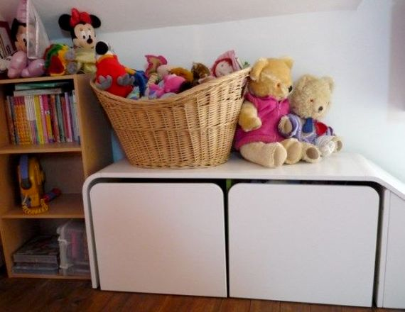 Lots of toys, games & books for indoors too