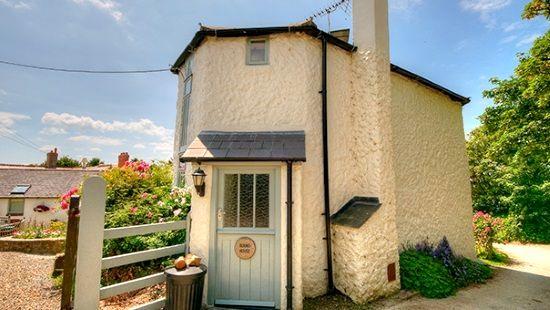 Round house cottage