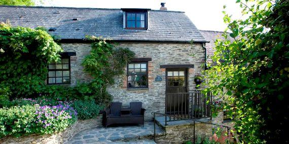 Exterior Lavender Cottage