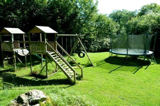 Aylesbury Cottage Image 6