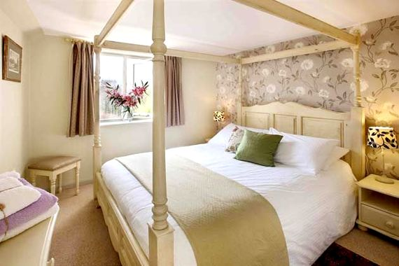 Aylesbury Cottage Image 3