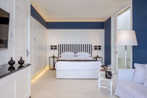Elounda Gulf Villas & Suites - Superior Suite with Private Pool Image 13