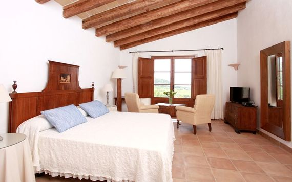 Son Siurana - Superior Junior Suite Image 8
