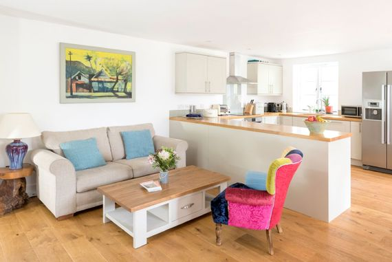 Open plan kitchen/living/dining area