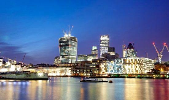 Tower Bridge Apartment Image 4