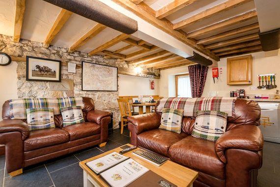 Elliott Cottage Image 2