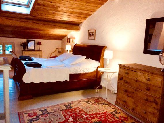 La Porcherie double bedroom