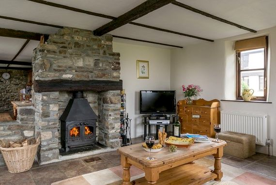Complete with wood burning stove, perfect for those winter breaks