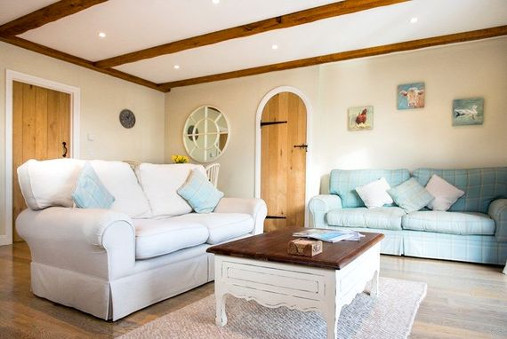 Lounge and dining area with underfloor heating throughout