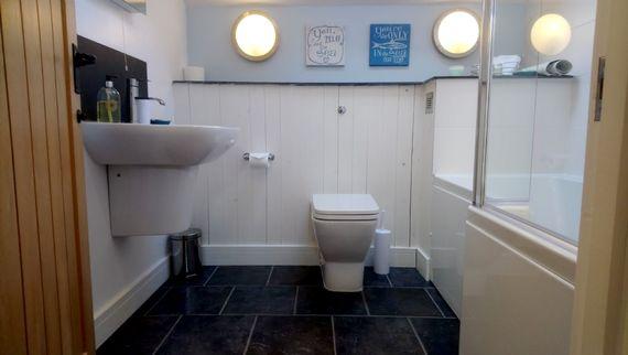 The Hayloft - bathroom