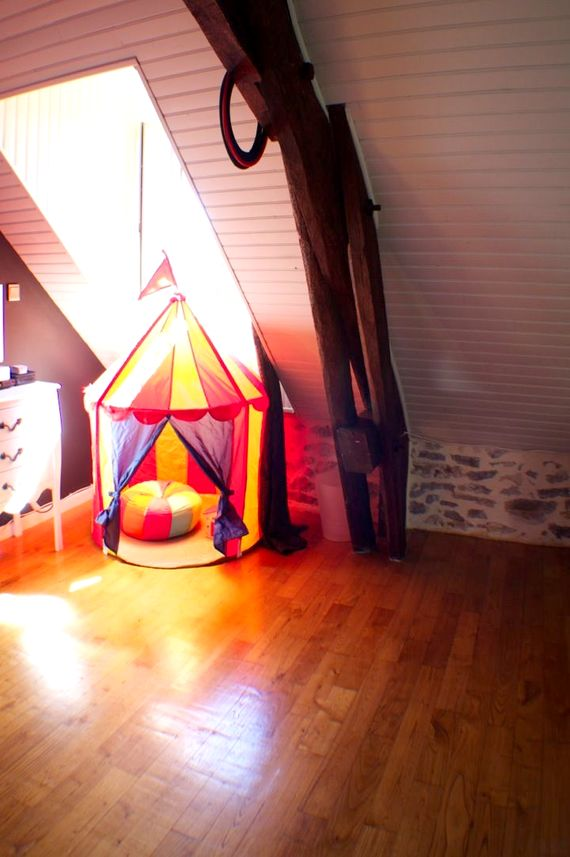 Kiddies own circus tent!!