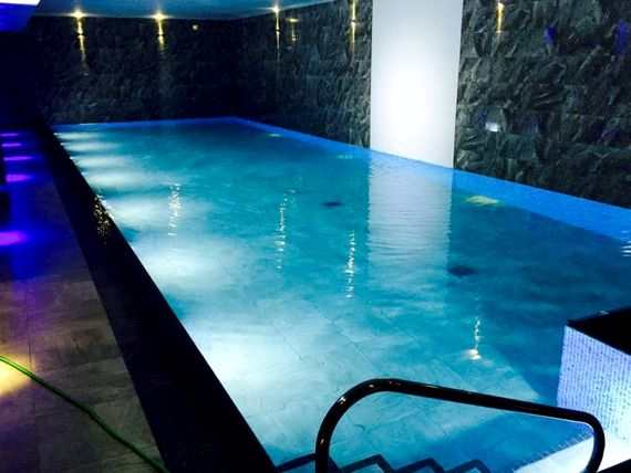 Free use of pool and facilities at choices leisure club