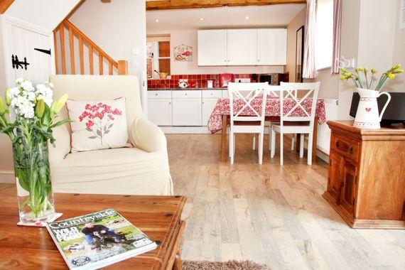 Bramble Cottage Image 1