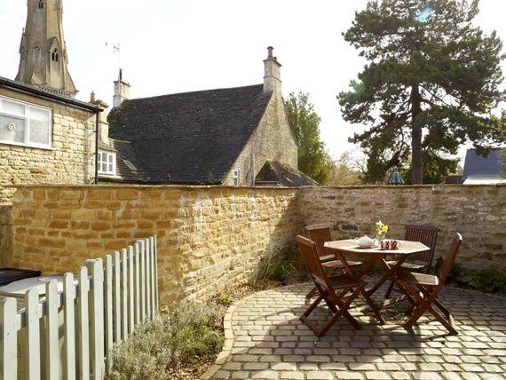 Rutland Cottage Image 1