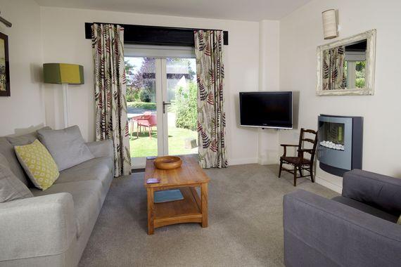 Abbotsea cottage lounge