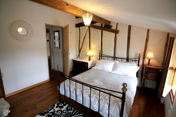 Double room at the top of the house, private and intimate