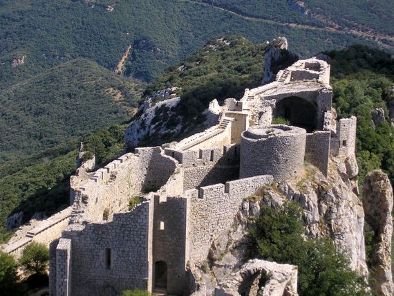Land of the Cathar chateaux