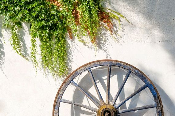 Maison De La Roche - Secret Garden Cottage Image 18
