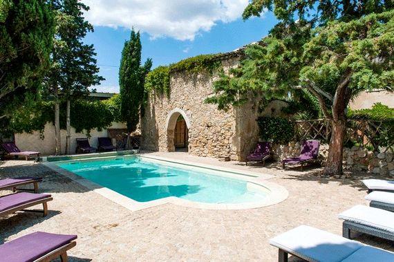 Maison De La Roche - Secret Garden Cottage Image 1