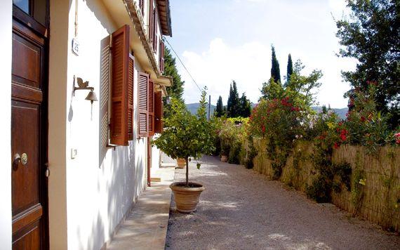 Casale I Perugini - 2-Bedroom Apartment Image 8