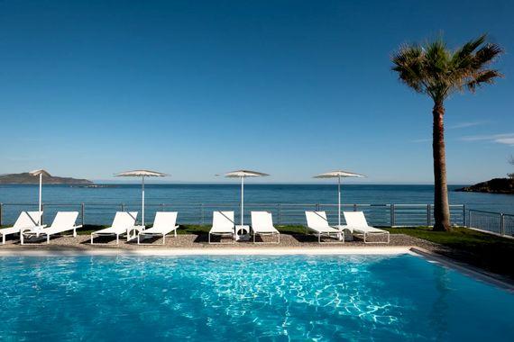 Ammos Hotel- Sea View Studio Image 10