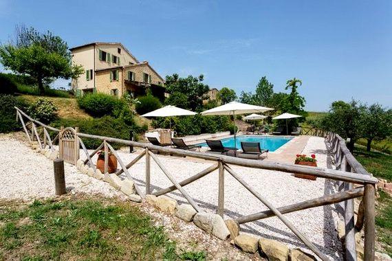 Hillside Villa Image 19