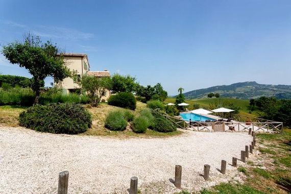 Hillside Villa Image 25