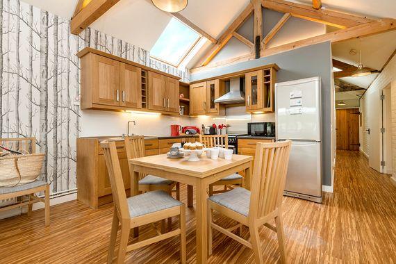 Woodpecker kitchen