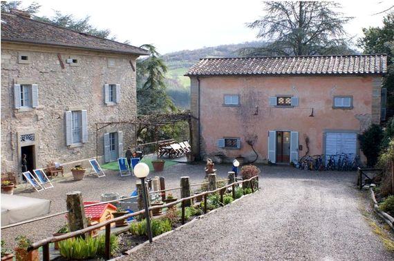 Villa Pia- Small Family Room Image 10