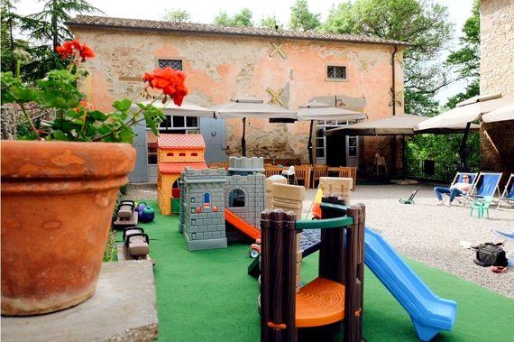 Villa Pia- Small Family Room Image 11