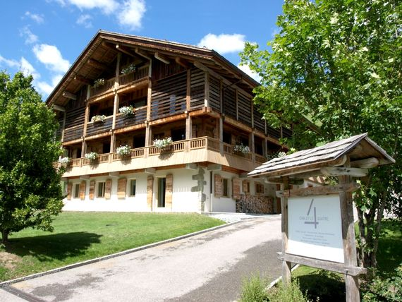 Chalet le 4 in summer
