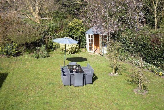 One of Orford's biggest private gardens, with bbq and outdoor seating for 8