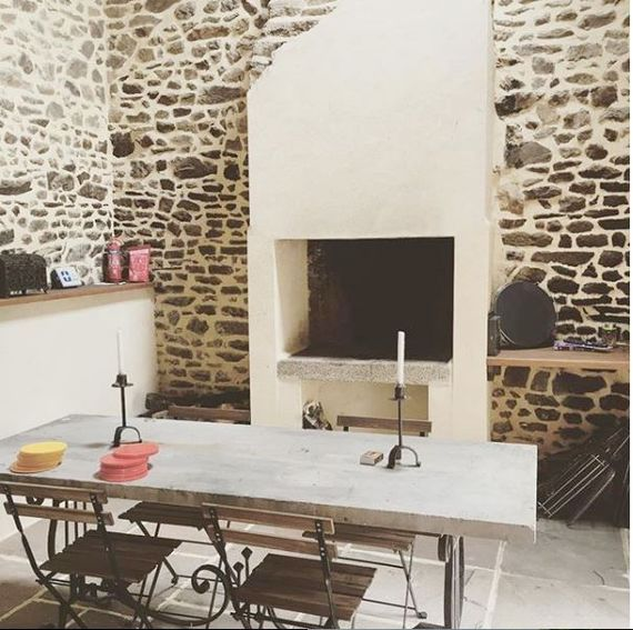 The pizza oven/indoor bbq next to the games room perfect for evening soirees