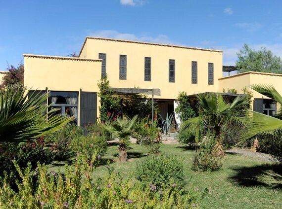 Fawakay Villas - Garden Suite Image 3