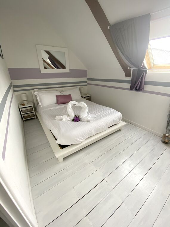 No.4, La Vieille Grange - 2 bedroom gite sleeping 4 Image 4