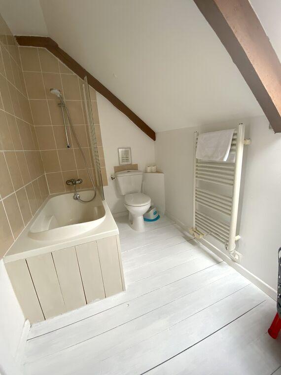 No.4, La Vieille Grange - 2 bedroom gite sleeping 4 Image 11