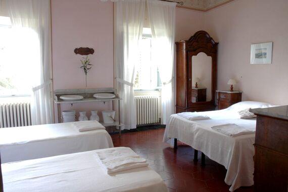 Villa Pia - Large Family Room Image 16
