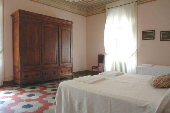 Villa Pia- Small Family Room Image 15